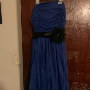 Blue dress with ribbon